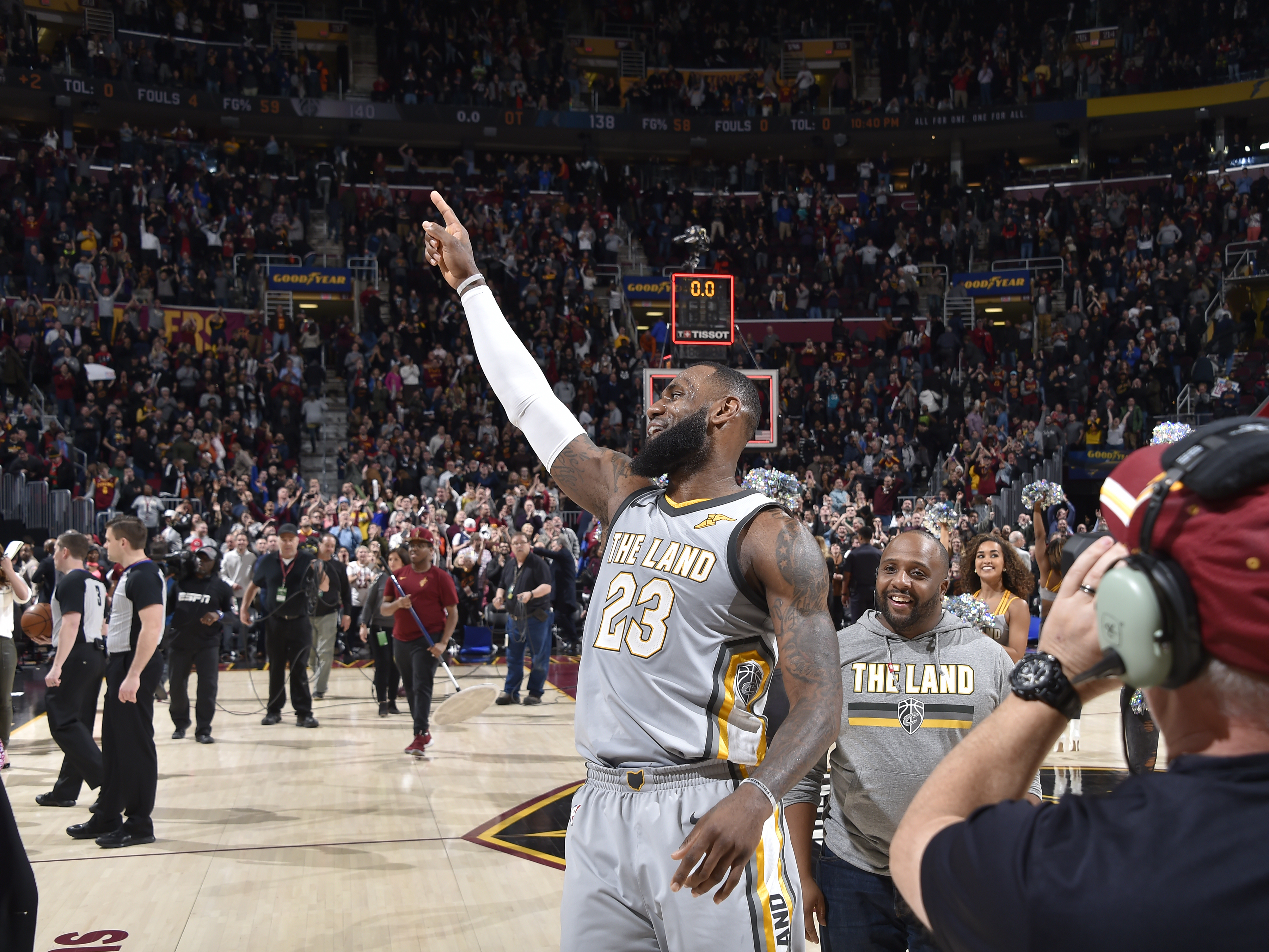 2017-18 Clutch Shot of the Year - LeBron James