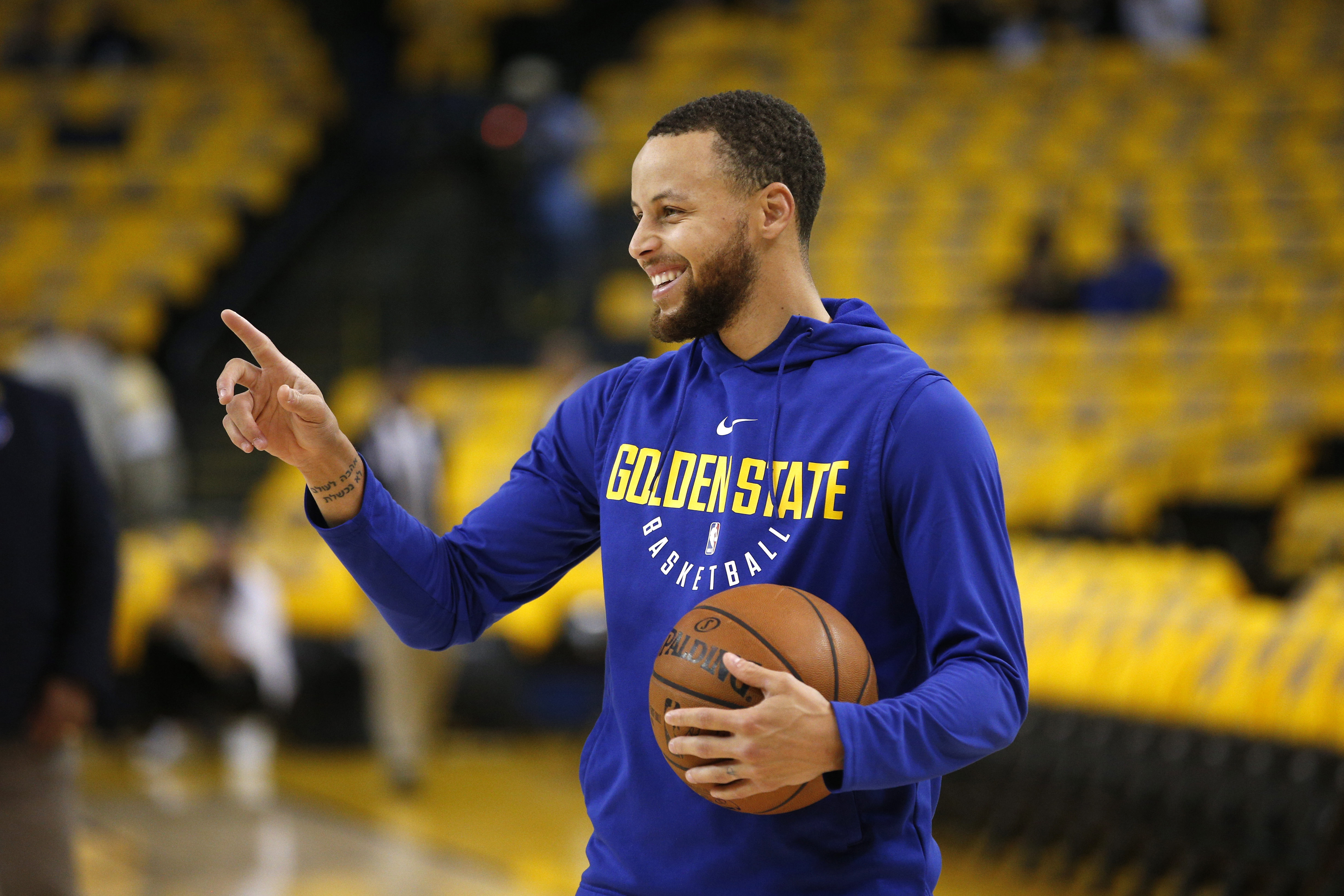 stephen curry knee will play tonight vs new orleans pelicans