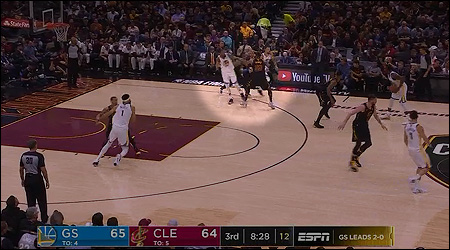Durant roll to the basket