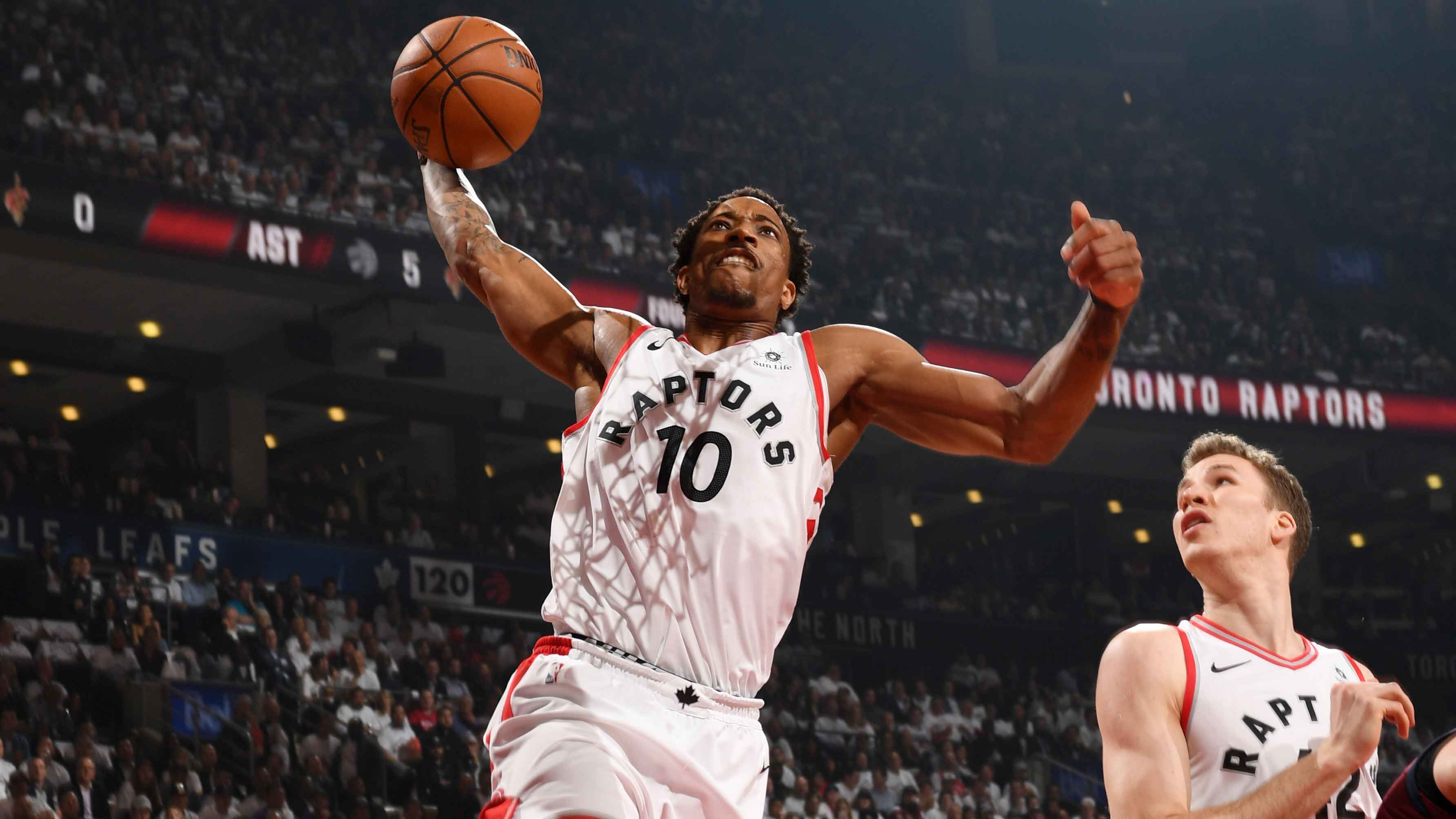San Antonio Spurs trade Kawhi Leonard to Toronto Raptors for DeMar DeRozan a2a1d5890