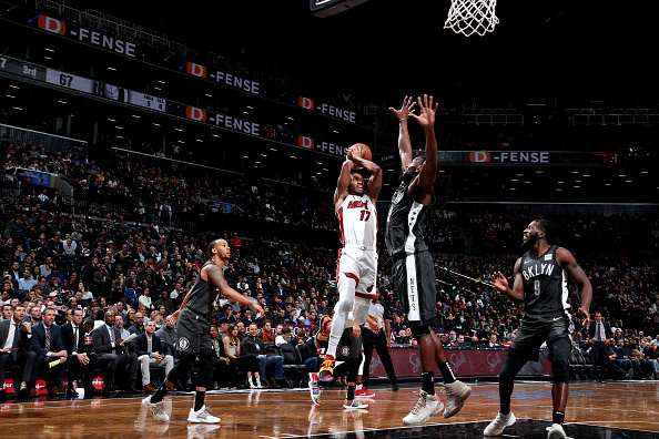 McGruder crazy shot falls in vs. Nets