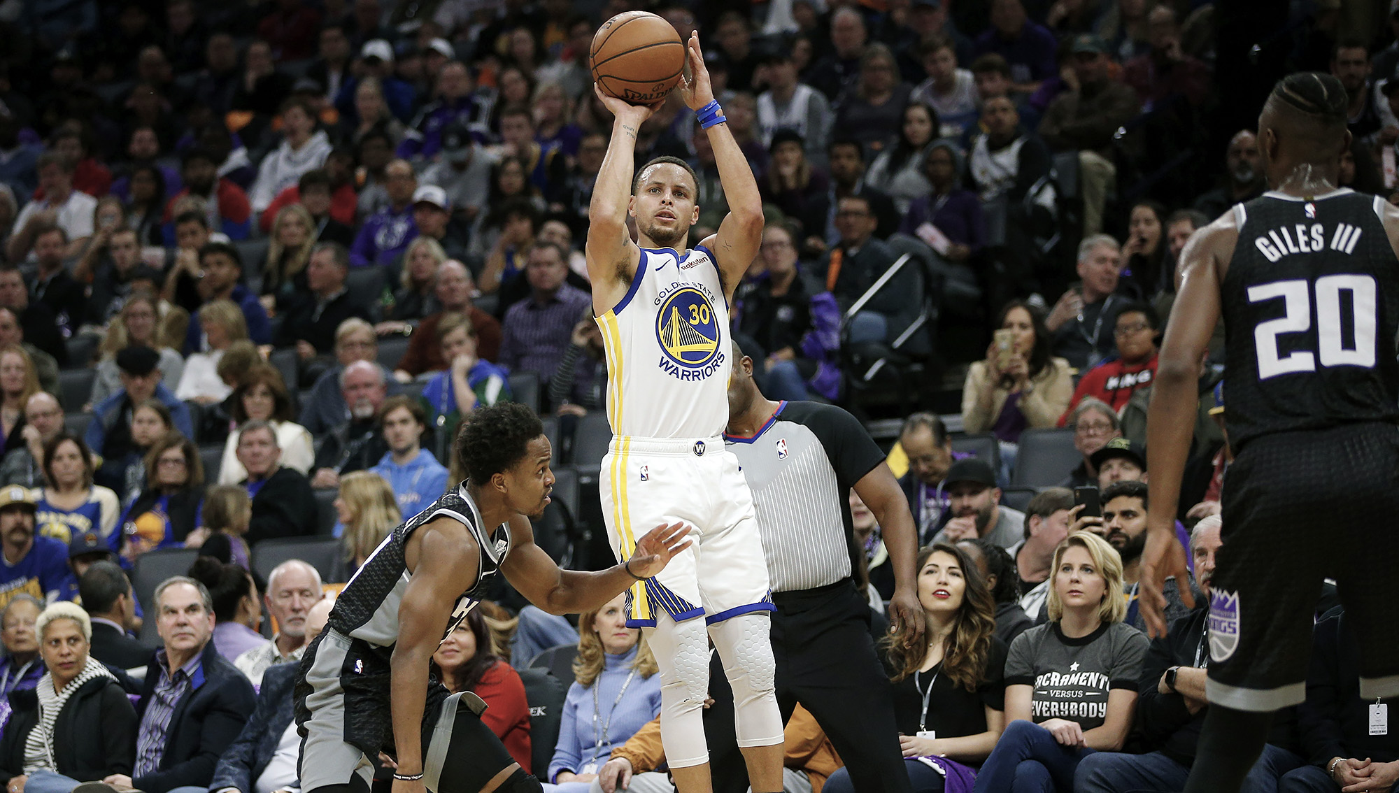 Must See  Stephen Curry s 3 breaks combined NBA record  486b877c43