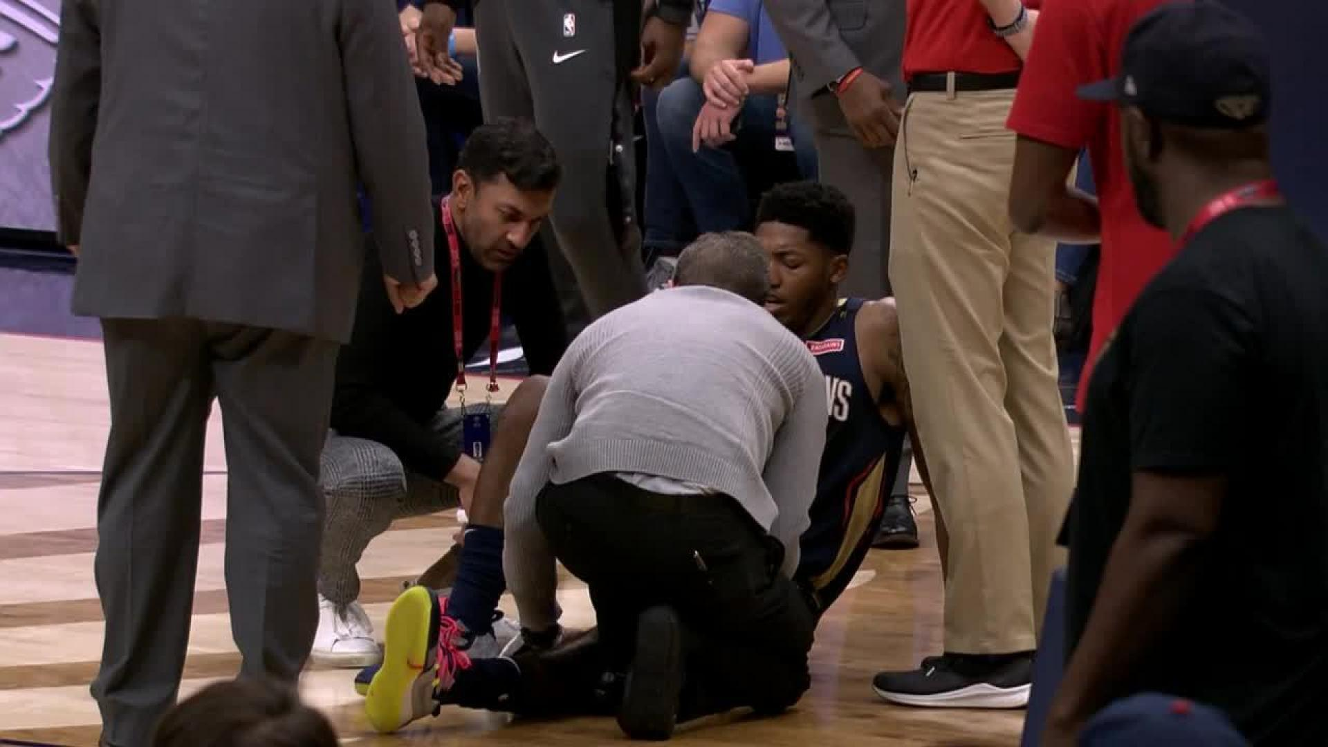 Elfrid Payton Goes Down With A Knee Injury Nbacom