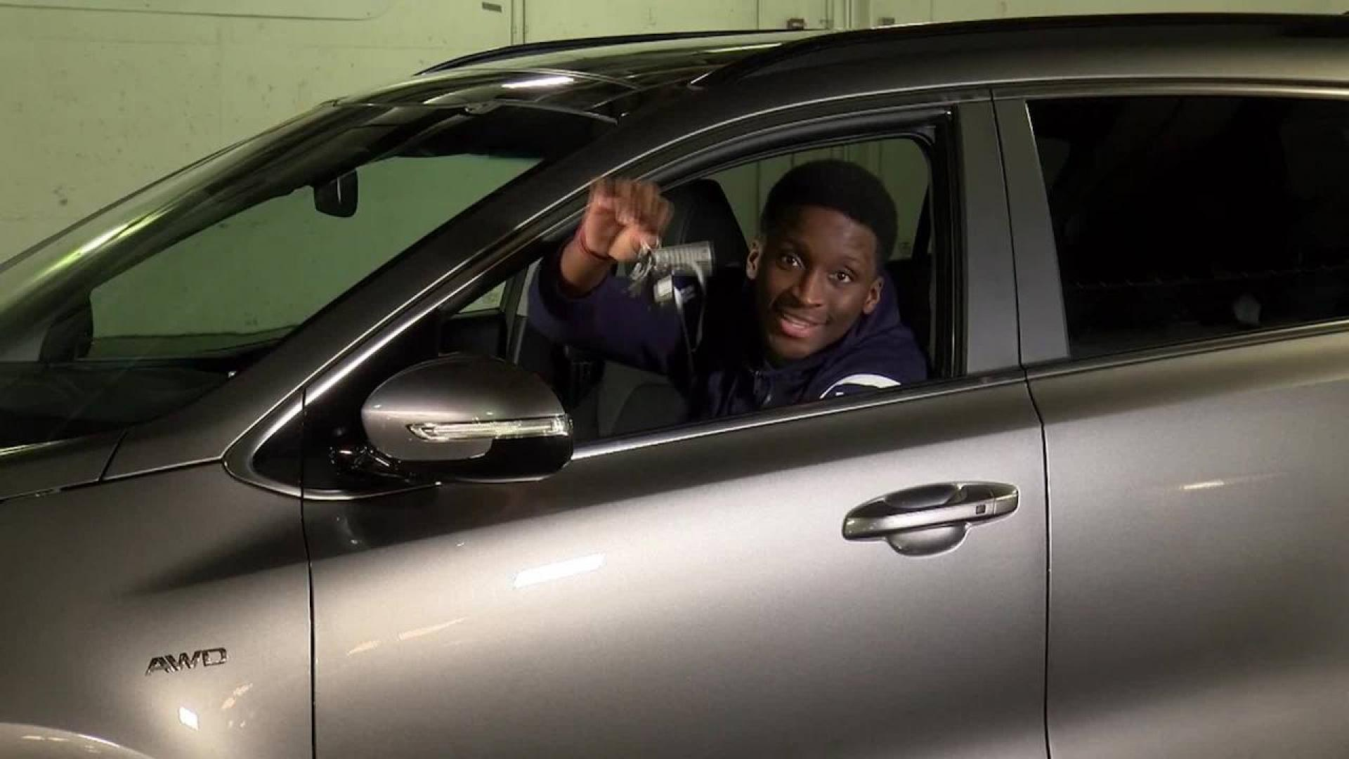Big Assist Oladipo Gifts Car To Domestic Violence Survivor Nbacom