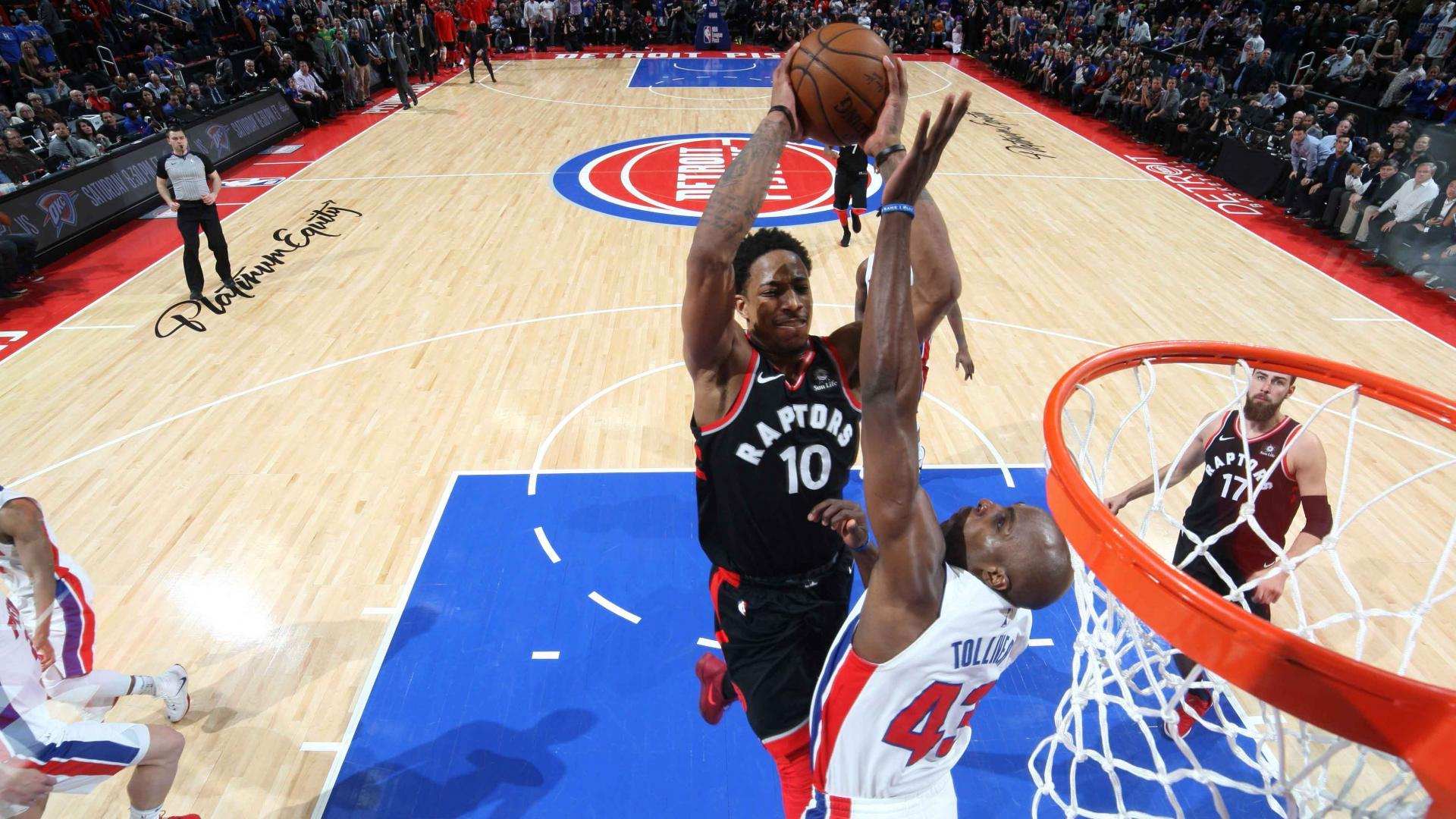 DeMar DeRozan puts Anthony Tolliver on a poster