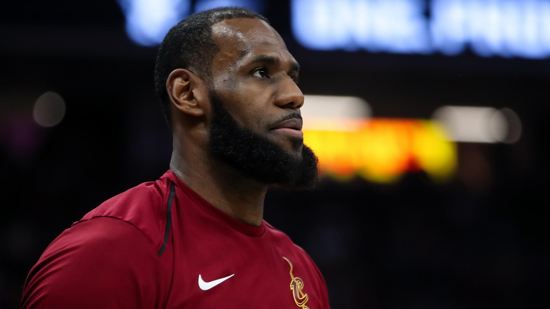 the latest 398f3 f3a66 LeBron James agrees to four-year,  154-million contract with Los ...