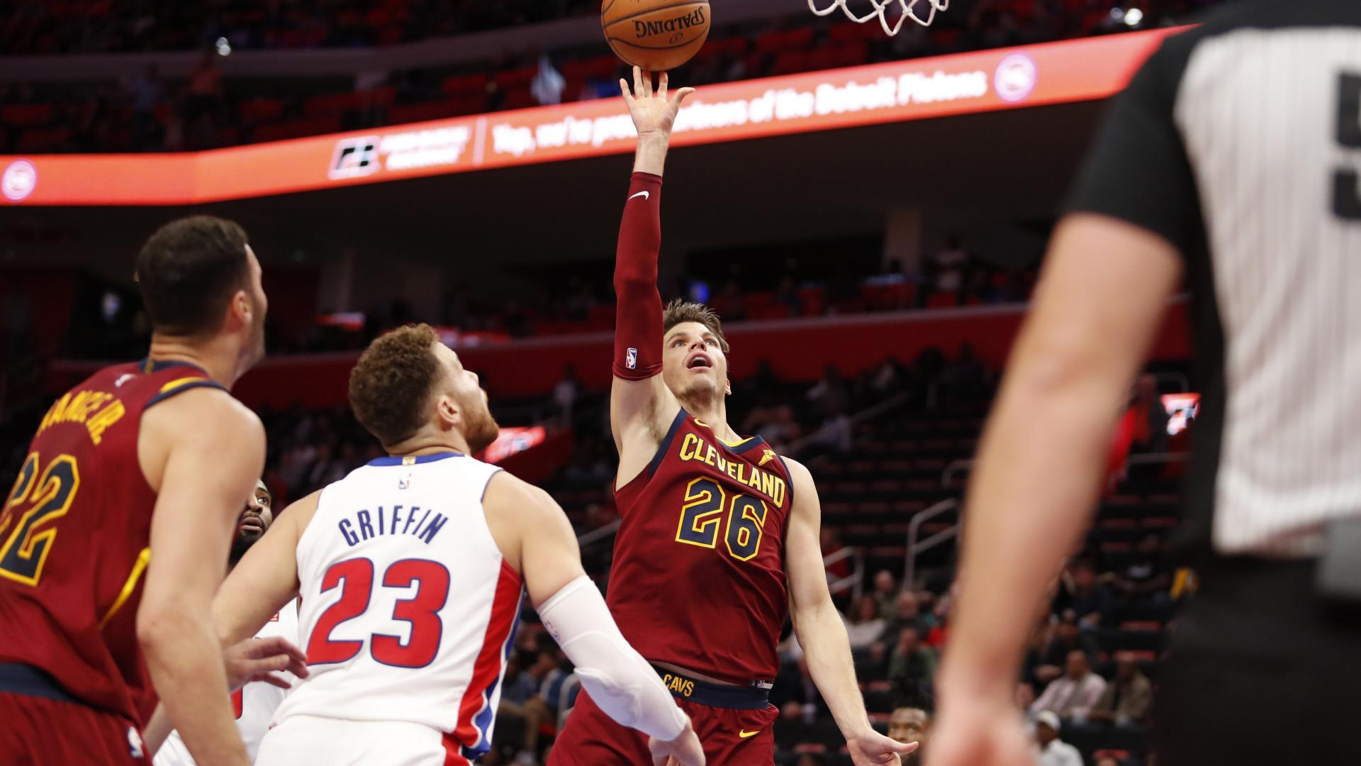 26494096bd60 Kyle Korver has taken on a different role for the Cavs in 2018-19. SA   LeBron is gone ...