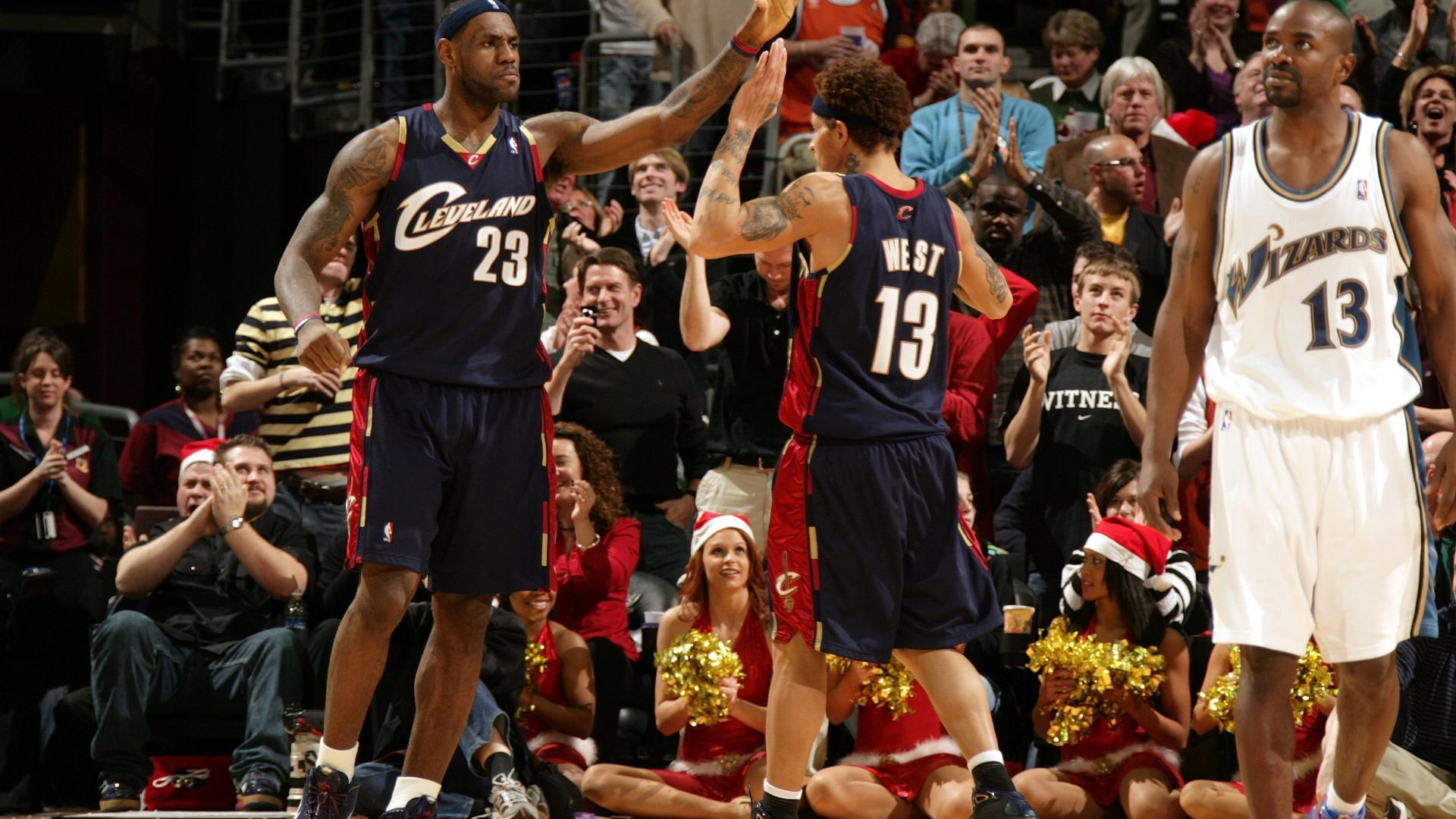 e8fbd6df4db LeBron James and Delonte West keyed a Christmas Day win against the Wizards  in 2008.