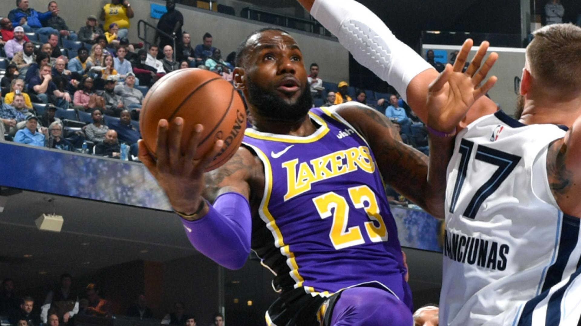 LeBron moves to 10th on all-time assists list de904eedd