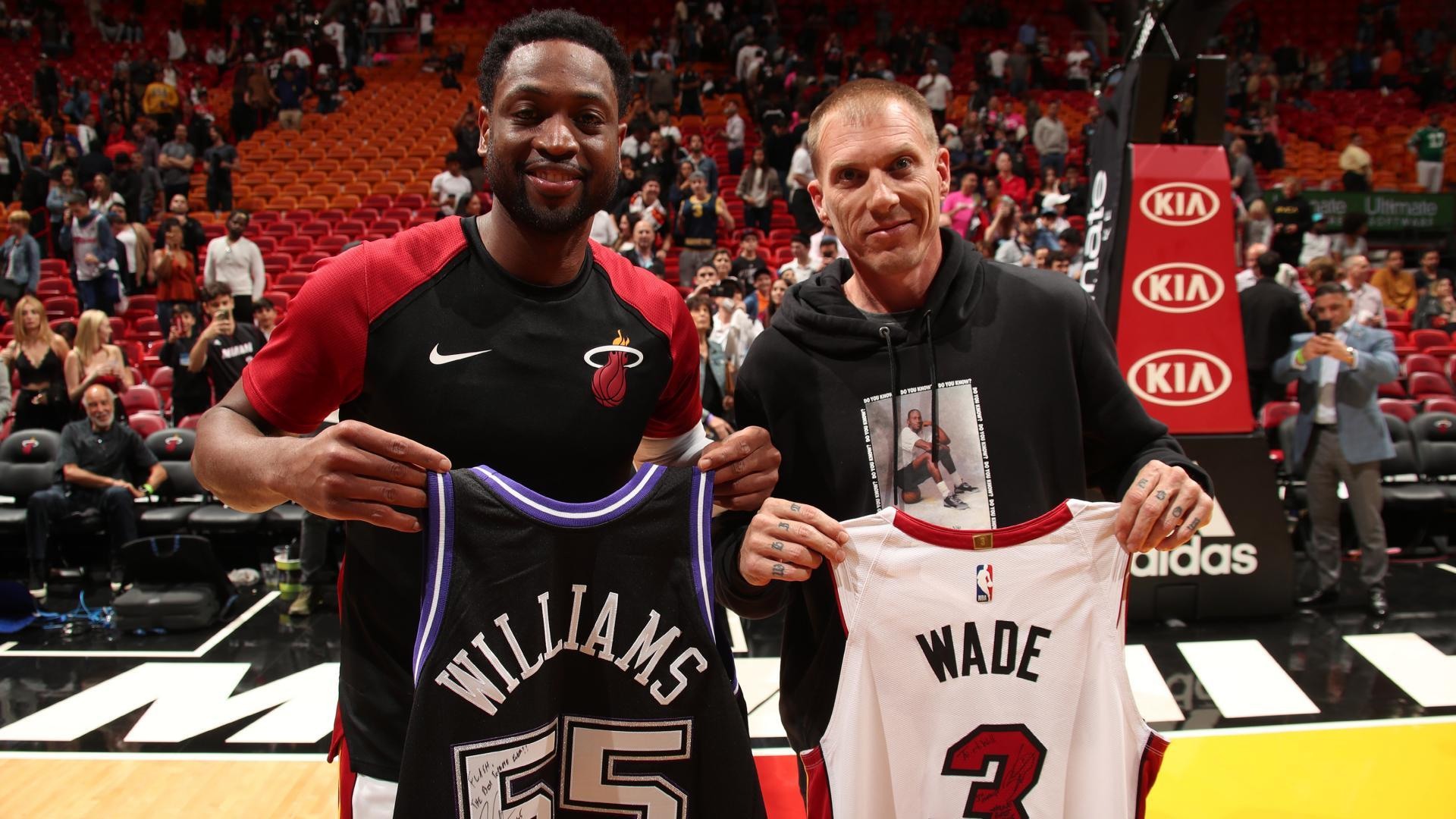 Zaire Wade introduces Dwyane Wade to Heat fans for final home game