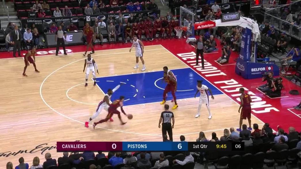 Channing Frye knocks it down as the clock expires in the first quarter | NBA.com