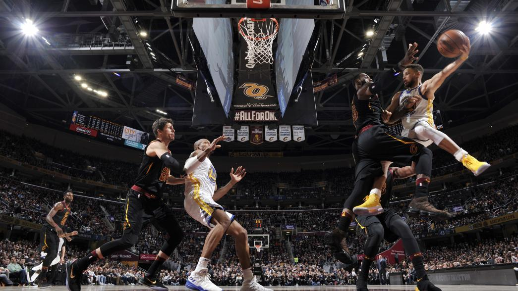 Golden State Warriors show off firepower, while Cleveland ...