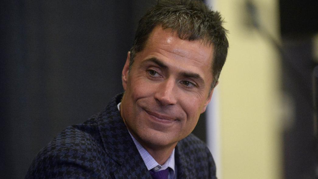 Report: Lakers won't hire replacement for Magic rob pelinka iso smile
