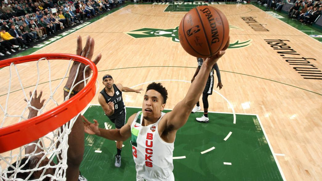 brogdon out indefinitely with plantar fascia tear Brogdon out indefinitely with plantar fascia tear brogdon dunk