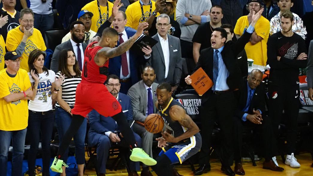 Lillard says he felt 'a lot of contact' from Iguodala on Game 2's final play iguodala steal curry 0516