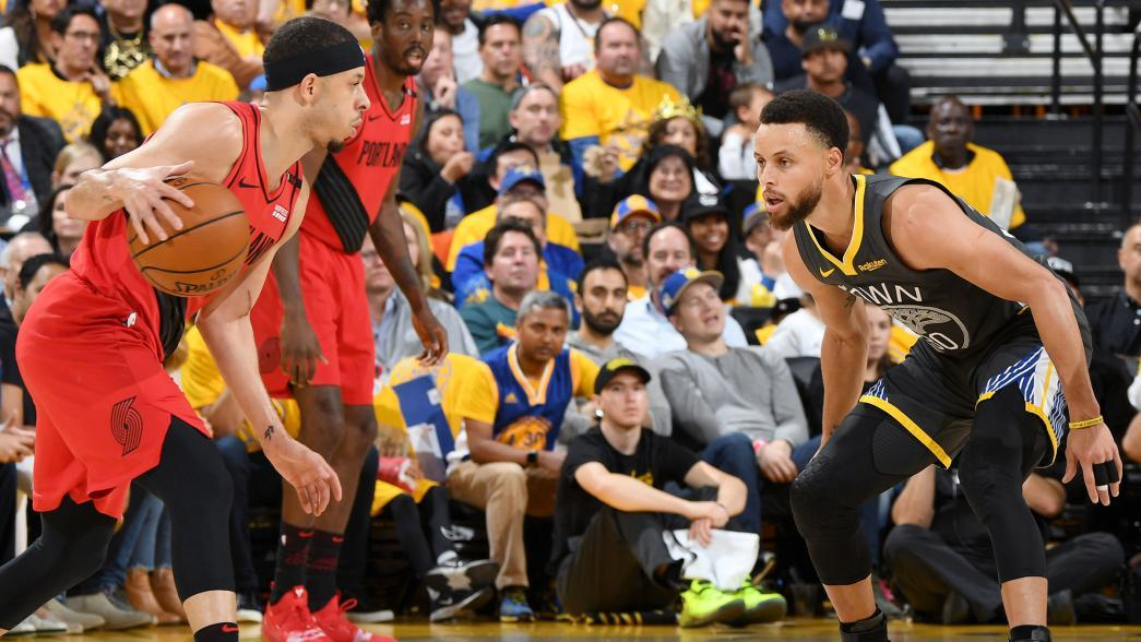 Stephen bests Seth in Curry brothers' backyard basketball showdown seth curry stephen curry faceoff