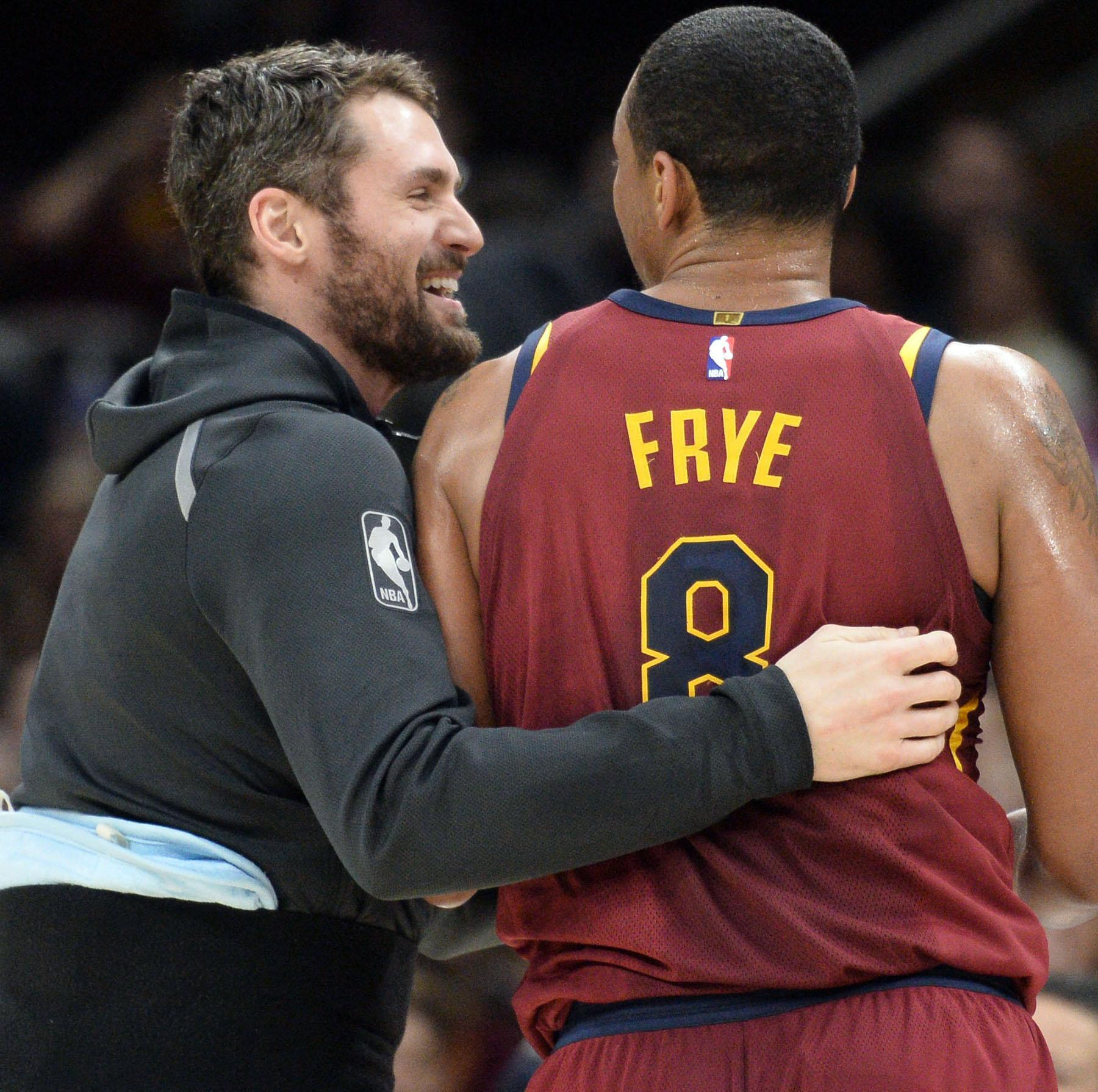 Cavaliers forward Kevin Love out with sore foot